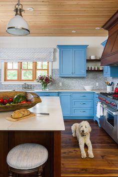 Muskoka cottage designed by Lischkoff Design Planning Inc. Photo by Michelle Peek Photography.