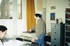 Oirschot, Torenstraat OmschrijvingStudiezaal II, Frank Schoots (links) en Jan Suijkerbuijk <br/>Trefwoorden: kopieerapparaat Auteur: Scholten, C. - 1995