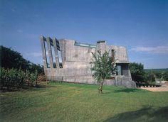 Hirtt-Gasper House, Wellenstein, Luxembourg by Hermann & Valentiny and Partners. (2001)