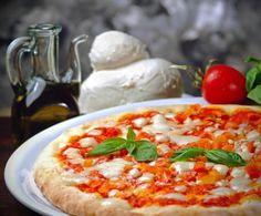 Grazie alla macchina del pane, si può preparare una pizza davvero perfetta: è sufficiente regolare il tempo di lievitazione secondo i propri gusti.