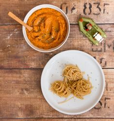 forrás: Színek és virágok Spaghetti, Ethnic Recipes, Food, Essen, Meals, Yemek, Noodle, Eten