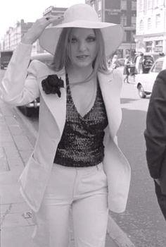 Mary Austin Freddie Mercury, Queen, Fashion, Moda, Fashion Styles, Fashion Illustrations