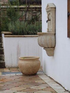 kút Planter Pots, Garden, Garten, Gardening, Outdoor, Home Landscaping, Tuin, Gardens, Plant Pots