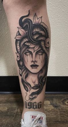 100 Beautiful Medusa Tattoos You'll Need to See - Tattoo Me Now Dope Tattoos, Unique Tattoos, Body Art Tattoos, Hand Tattoos, Girl Tattoos, Tattoos For Guys, Angel Hand Tattoo, Angel Girl Tattoo, Tatoos