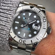 Style Guide No money for a Rolex? But you still love elegant watches?gentlemenstim … we have a selection of elegant yet inexpensive watches for you! Dream Watches, Fine Watches, Sport Watches, Cool Watches, Elegant Watches, Beautiful Watches, Audemars Piguet, Seiko Watches, Omega Seamaster