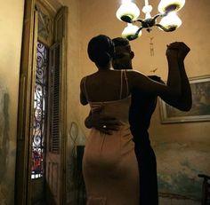 𝗛𝗲𝘆...𝘆𝗲𝗮𝗵 𝘆𝗼𝘂 𝘁𝗵𝗲𝗿𝗲! 𝗙𝗼𝗹𝗹𝗼𝘄 𝟰𝟰𝗰𝗮𝗹𝗶𝗯𝗿𝗶 𝗳𝗼𝗿 𝗺𝗼𝗿𝗲 𝗰𝗼𝗻𝘁𝗲𝗻𝘁 𝗹𝗶𝗸𝗲 𝘁𝗵𝗶𝘀!<𝟯 Black Girl Aesthetic, Couple Aesthetic, Black Love Couples, Cute Couples, Black Couple Art, Black Art, Black Gold, Couple Noir, The Love Club
