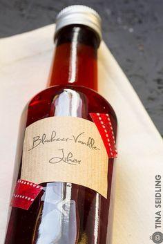 Blaubeer Vanille Likör für Weihnachten (bluberry vanilla liqueur for christmas / xmas) by Lunchforoneckr