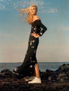 US Vogue December 2015 Period Pieces Photographer: Jamie Hawkesworth Models: Caroline Trentini