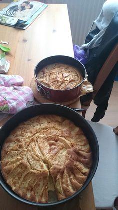 Apfelkuchen mit zimt in groß und klein