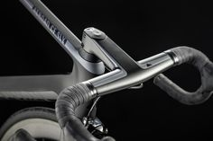 "Canyon Aeroad CF SLX designed by Canyon and Artefakt, awarded ""Best of the Best"" at Red Dot Artefakt Canyon Red Dot Canyon Aeroad, Canyon Bike, Giant Tcr, Performance Bike, Bike Equipment, Unicycle, Car Travel, Road Bikes, Mountain Biking"