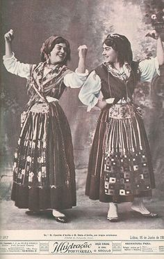 imagens scrapbook - OneDrive Folk Costume, Costumes, Portuguese Culture, Gypsy Wagon, Old Postcards, Samba, Traditional Dresses, History, My Style