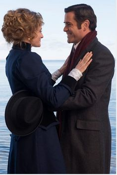 'Murdoch Mysteries', Season 7 - Will William finally ask Julia to marry him? Mystery Show, Mystery Series, Natural Heartburn Relief, Murdock Mysteries, John Wilson, Detective Shows, Film Serie, Best Couple, Best Shows Ever