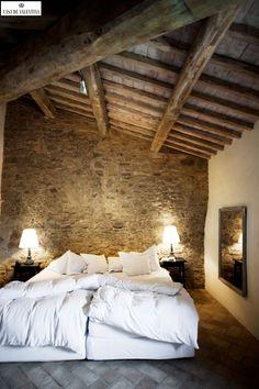 Via Casa de Valentina www.casadevalenti... #decor #interior #design #bedroom #rustic #casadevalentina