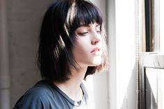Model Sarah Brannon on the problem with thick hair and blunt cuts, plus how to manage fringe day-to-day until it grows out Bob With Fringe Bangs, Long Hair With Bangs, Blonde Highlights On Dark Hair, Dark Bob, Blue Sargent, Blunt Bangs, Trending Haircuts, Blue Hair, Hair