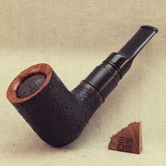 Handcrafted pipe mod powered by one 18350 Li-ion battery. Berserker V2 driper tank. Algerian briar wood. Acrylic stem. E Pipe, Briar Pipe, Black Acrylics, Making Out, Wood, Woodwind Instrument, Timber Wood, Trees