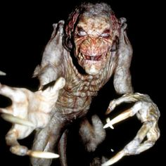 What horror movie would you like to watch during the Hollywood season? Stan Winston's monster movie Pumpkinhead is an great choice!