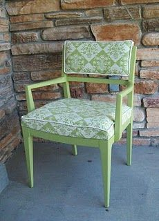 Running With Scissors: Vintage Sitting Chair Make-Over Upholstered Chairs, Furniture Makeover Diy, Reupholster Chair, Repainting Furniture, Trending Decor, Chair, Interior Design Living Room, Chair Makeover, Sitting Chair