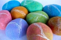 Felted soap makes a pretty gift that will last much longer than an uncovered bar of soap. The felt shrinks with the soap and at the end you'll have a very handy 'scrubby'. You will need: Bar of soap –...