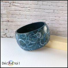Bracelet de bois peint à la main. Abstrait Bleu / par DecArttoi, $24.00