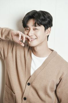 ASK K-POP Actor Park Seo-joon explained the scandal with Park Min-young. In an interview with Park Seo-joon, an interview with a cable channel TVN `Kim Ji-seo` conducted at a cafe in Gangnam-gu, Seoul on he said, Joon Park, Park Hyung, Handsome Korean Actors, Song Joong, Yoo Seung Ho, Kim Sang, Park Min Young, Kdrama Actors, Gong Yoo