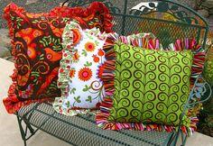 Ruffled Throw Pillow Tutorial in 3 sizes