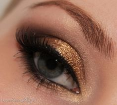 """Here's a Christmas """"sparkle"""" idea.  Achieve this with Mary Kay's Amber Blaze on the inner lid (apply with a damp makeup brush) and espresso on the outer corner.  Black liner and loads of Ultimate mascara. The contrast between shimmer and matte makes this look oh-so-glam!  Merry Christmas Eve!  Try my virtual makeover at www.marykay.com/tbolt"""