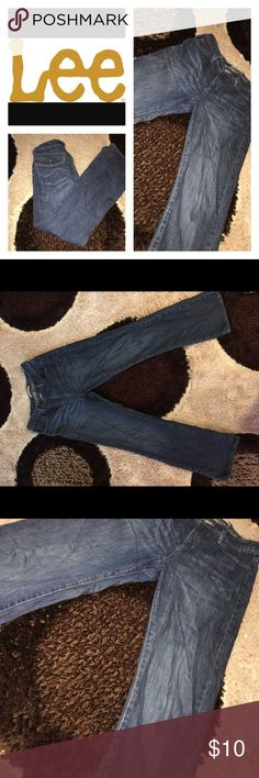 🌷BRAND:LEE, SIZE:8, STYLE: BOOTCUT Lee jeans, talk about flattering your figure omg, these jeans do the job makes your waist look small, comfortable great quality Lee Jeans Boot Cut