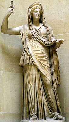 Hera : Queen of Heaven and goddess of marriage, women, childbirth, heirs, kings and empires