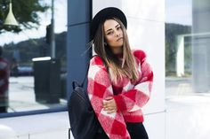 Gambitsky, wearing sweater from Sandro Paris. Street Style Blog, Red Sweaters, Sandro, One Color, Parisian, Plaid Scarf, Burgundy, Beautiful Women, How To Wear