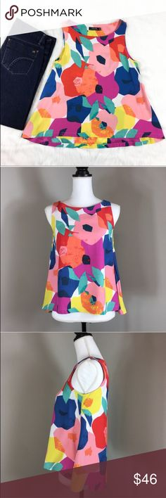 Kate Spade Saturday Floral Sleeveless Blouse Kate Spade Saturday Floral Sleeveless Blouse. Size extra small. Approximate measurements flat laid are 22' front length, 24' back length, and 16' bust. Pre-owned condition with no major flaws. ❌I do not Trade 🙅🏻 Or model💲 Posh Transactions ONLY kate spade Tops Tank Tops