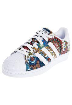 dc40de6c9ec La collezione Superstar Supercolor di Pharrell Williams per adidas ...