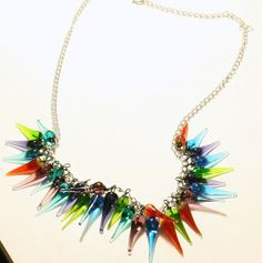 Bring the joy of Christmas lights to your look with the Holiday Cheer Necklace tutorial!