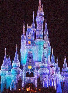 Tips from the Disney Divas & Devos: Celebrate Christmas Disney Style on Main Street USA at Walt Disney World