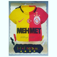 Galatasaray forma pasta, cake Pasta Cake, Cupcake, Birthday Cake, Cakes, Mens Tops, T Shirt, Food, Pies, Cake