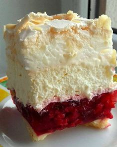 I stuff my ideas: Raspberry cloud Sweet Desserts, Sweet Recipes, Cake Recipes, Dessert Recipes, Russian Cakes, Torte Cake, Sweets Cake, Polish Recipes, Pastry Cake