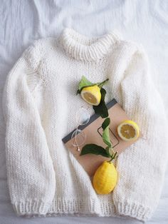 DIY: OHJE HELPPOON VILLAPAITAAN x 2 | Fashion Statement Slow Fashion, Simple Designs, Wool Felt, Knit Crochet, At Least, Diy And Crafts, Pullover, My Favorite Things, The Originals