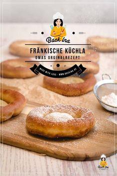 Du suchst ein Rezept für fränkische Küchla (auch bekannt als Kniekiechla / Auszogne)? Dann bist du hier richtig! Ich zeige dir Schritt für Schritt, wie du das Festtagsgebäck selber machen kannst! | BackIna.de Baked Donut Recipes, Baking Recipes, Donut Decorations, Churros, Cakes And More, Diet, Donuts Donuts, Cooking, Desserts