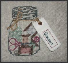 brodeuse - embroiderer - bocal - point de croix - cross stitch - broderie - Blog : http://broderiemimie44.canalblog.com/
