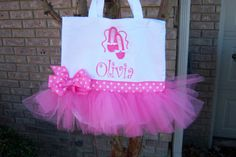 Great Ballerina tote for the girls. Also nice for a ballerina themed party.