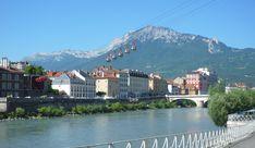 Au-delà d'encourager le tourisme, ce moyen de transport permet surtout d'observer la ville sous un autre angle.