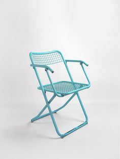 Silla rejilla azul - Passeu, Passeu Outdoor Chairs, Outdoor Furniture, Outdoor Decor, Home Decor, Folding Chairs, Blue Nails, Decoration Home, Room Decor, Garden Chairs