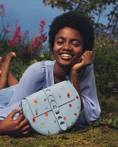 1,614 отметок «Нравится», 15 комментариев — CoccinelleOfficial (@coccinelleofficial) в Instagram: «A new adventure begins: a summer story. Bright, fun, light: it's Coccinelle Spring Summer 18 new…»