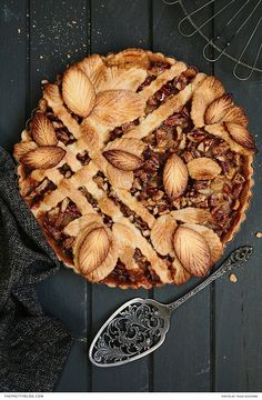 Caramel, Pear & Pecan Lattice Pie Recipe - starch, frozen pie crust, all-purpose flour, . Cinnamon-caramel Pears With Pecan Shortbread Crumble Tart Recipes, Sweet Recipes, Cooking Recipes, Autumn Pie Recipes, Pie Dessert, Dessert Recipes, Elegante Desserts, Caramel Pears, Caramel Pie