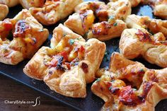 Hot and spicy chipotle chicken puffs