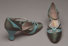 Maker unknown - France 1920-30 Turquoise leather and dark green silk shoes: green stone button
