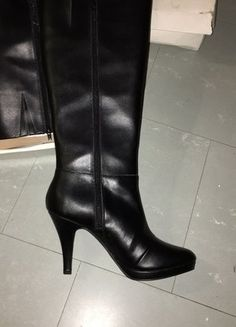 À vendre sur #vintedfrance ! http://www.vinted.fr/chaussures-femmes/bottes-and-bottines/25591722-bottes-neuve-saison-20152016-en-cuir-taille-38-des-3suisses-collection
