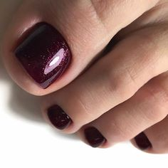Noble Wine Color For Your Toes Your toe nail colors should always keep up - Best nail art - nagelpflege Fall Pedicure, Pedicure Colors, Pedicure Designs, Toe Nail Designs, Manicure And Pedicure, Art Designs, Design Ideas, Best Toe Nail Color, Nail Color Trends