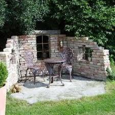 Romantic back yard niche