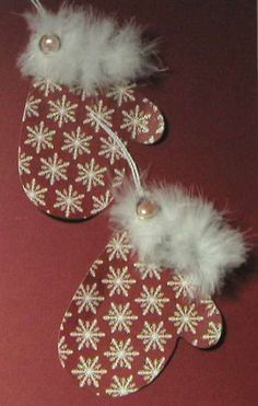 Mitten Gift Tags - Pink pearls, feathery white boa, and cotton string from Micheals. Diy Christmas Cards Cricut, Christmas Name Tags, Christmas Paper Crafts, Holiday Gift Tags, Christmas Wrapping, Xmas Cards, Handmade Christmas, Christmas Ornaments, Christmas Stuff