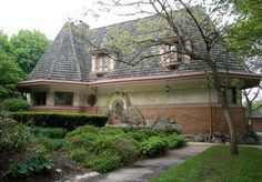 Chauncey L. Williams House. 1895. River Forest, Illinois. Early Frank Lloyd Wright